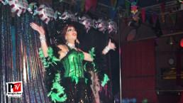 Spettacolo di Lady Vesuvio al compleanno di Sebille Garcia e Anna Lopez