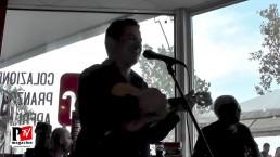 Junior do Cavaco si esibisce al Red Bar di Fogliano (Re)