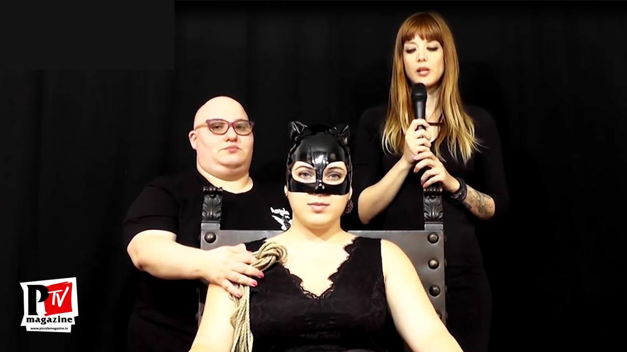 La Mistress Yleana LaMicia ci dimostra legature BDSM: immobilizzazione alla sedia